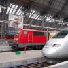 奥はドイツ鉄道(DB)の電車。