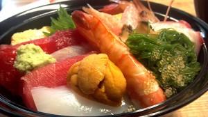 さんさん商店街「弁慶」の海鮮丼・月