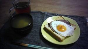 パンと味噌汁